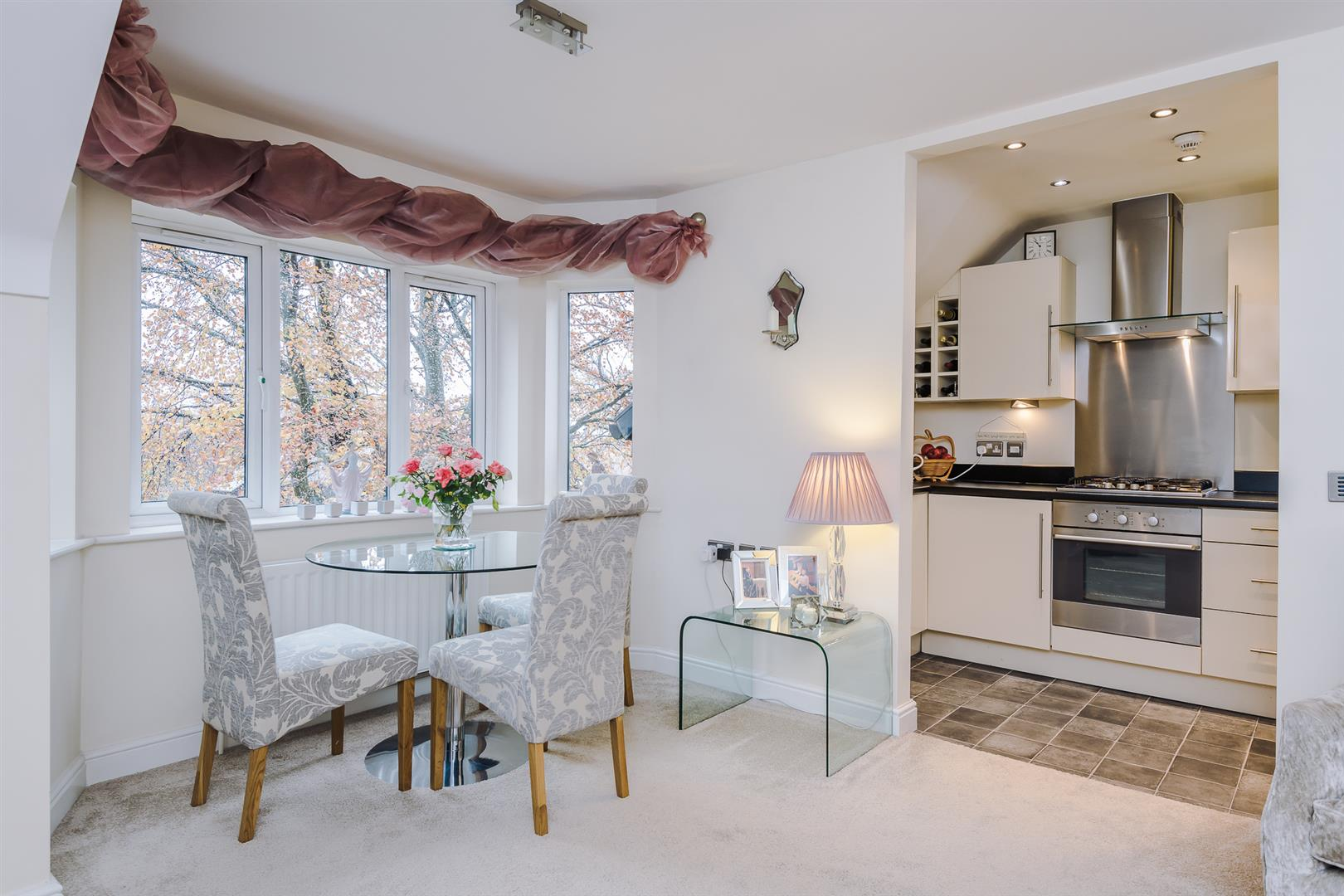 2 Bedroom Apartment Sale Agreed Image 4